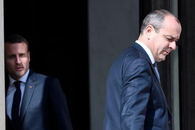 Pour Emmanuel Macron, reculer serait désastreux et hypothéquerait le reste du quinquennat